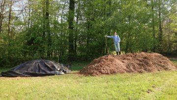 Tako sva ustvarila 5 m3 prvovrstnega komposta za najin vrt