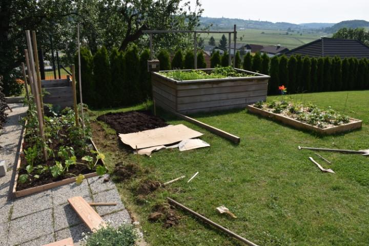 Prva širitev vrta.